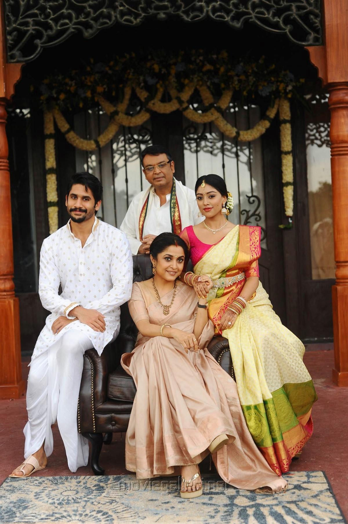 Naga Chaitanya, Anu Emmanuel, Ramya Krishnan, Naresh in Sailaja Reddy Alludu New Photos HD