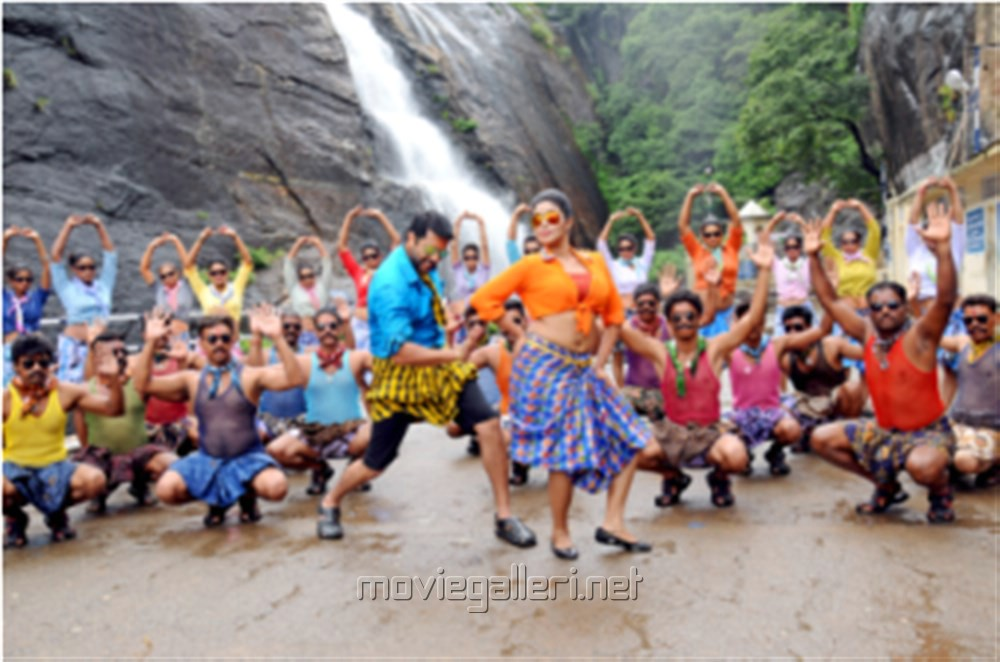 Picture 909450 | Jayam Ravi, Poorna in Sakalakala Vallavan