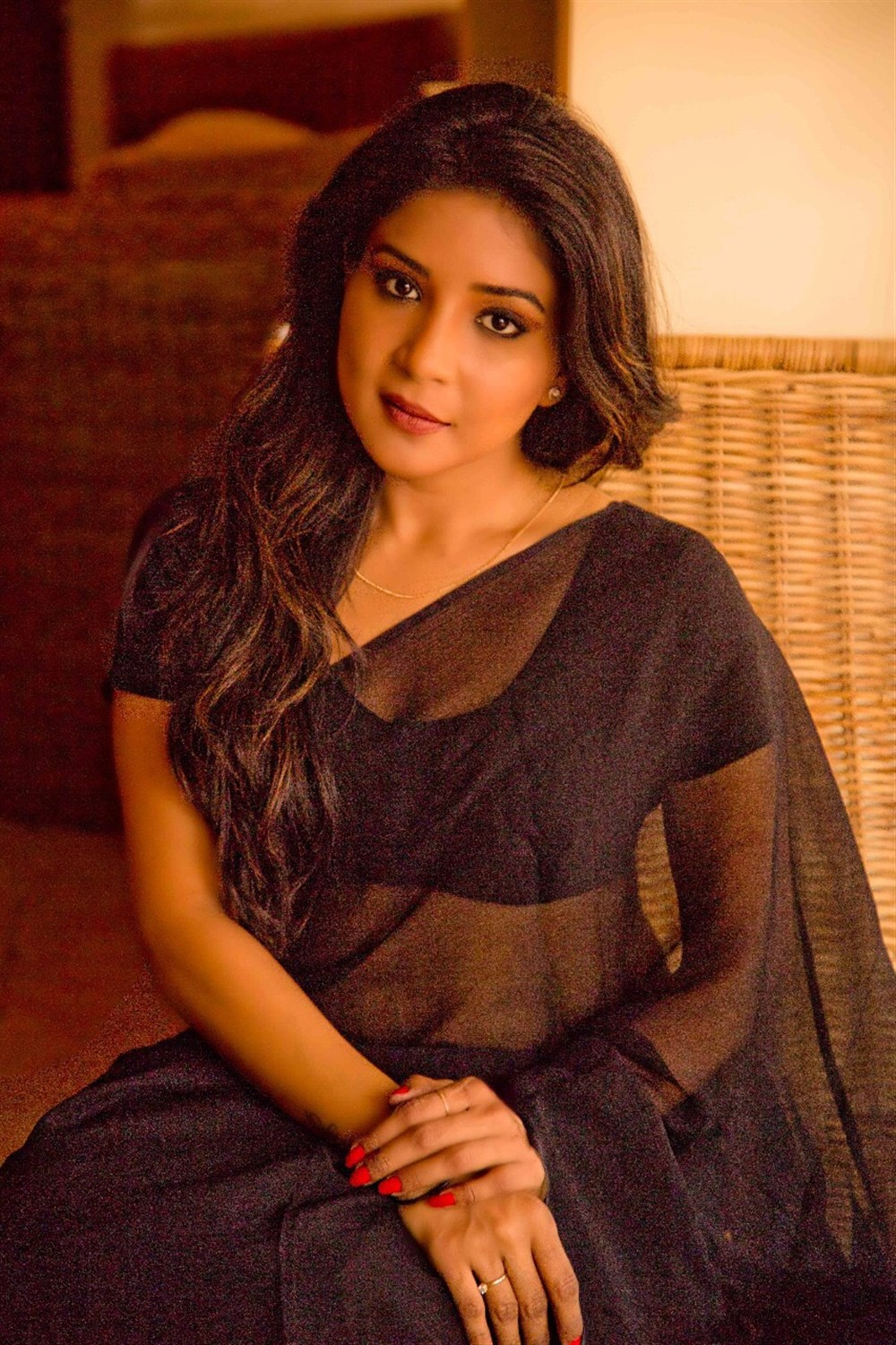Actress Sakshi Agarwal in Black Saree Portfolio Images