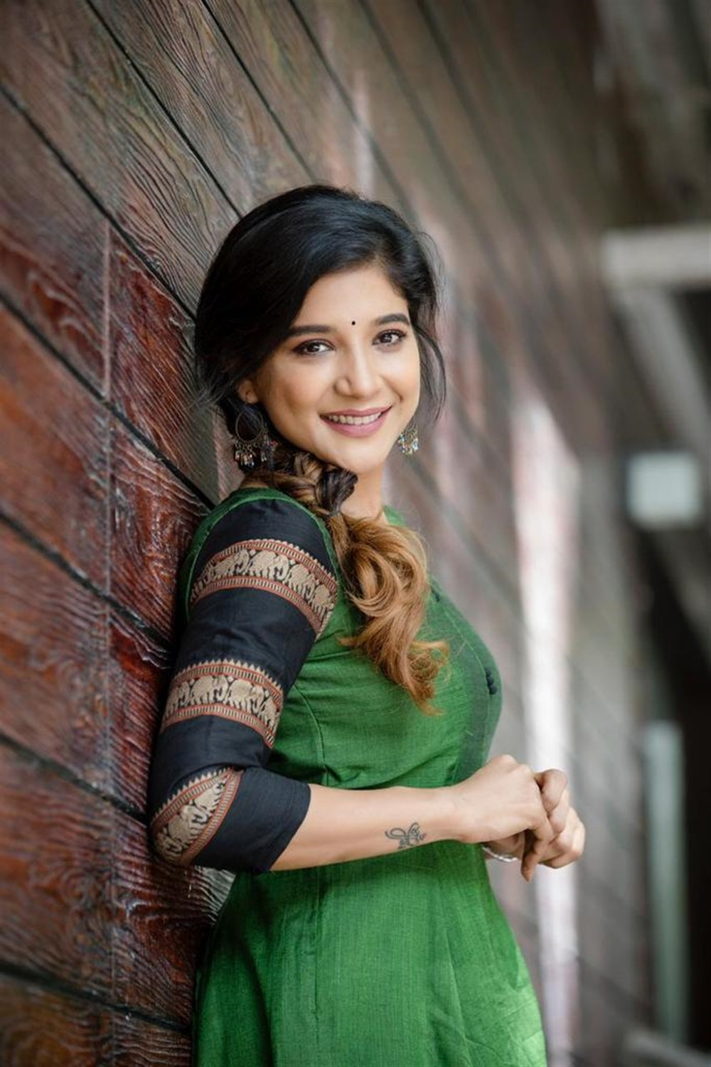Actress Sakshi Agarwal Photoshoot Stills