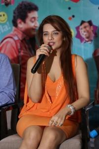 Meelo Evaru Koteeswarudu Actress Saloni Aswani Interview Photos