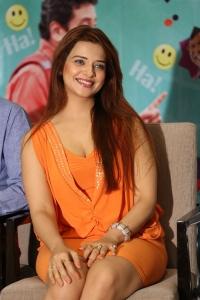Actress Saloni Aswani Interview Photos about Meelo Evaru Koteeswarudu Movie