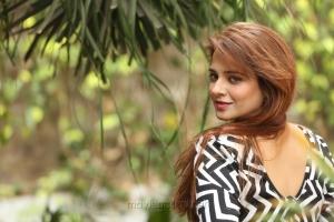 Telugu Heroine Saloni New HQ Wallpapers
