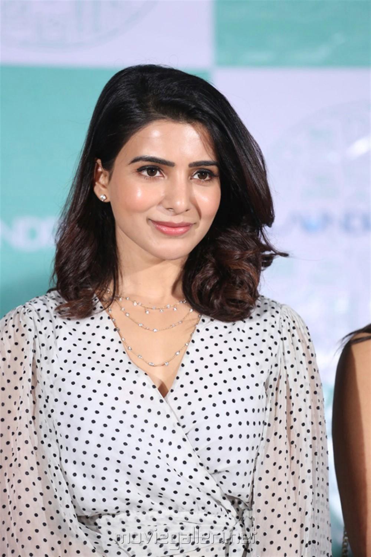 Actress Samantha Akkineni Cute Photos @ Laundry Kart App Launch