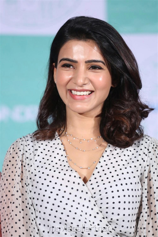 Actress Samantha Photos @ Laundry Kart App Launch