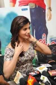 Actress Samantha Hot Images @ Attarintiki Daredi 25days Press Meet