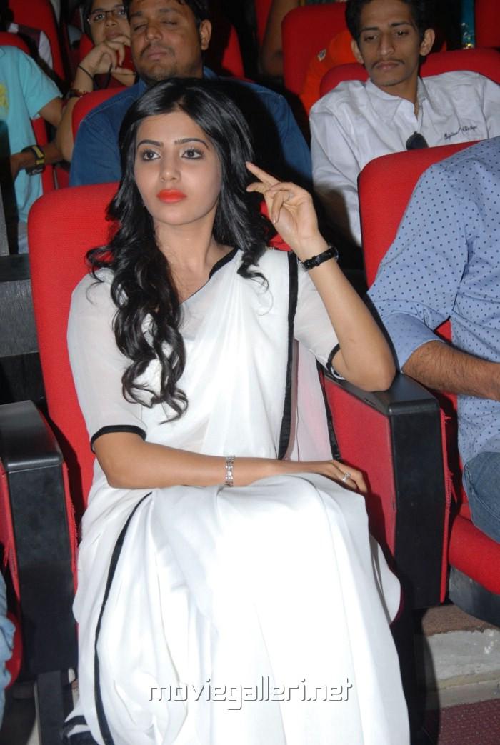 Samantha in White Saree photos at Seethamma Vakitlo Sirimalle Chettu Platinum