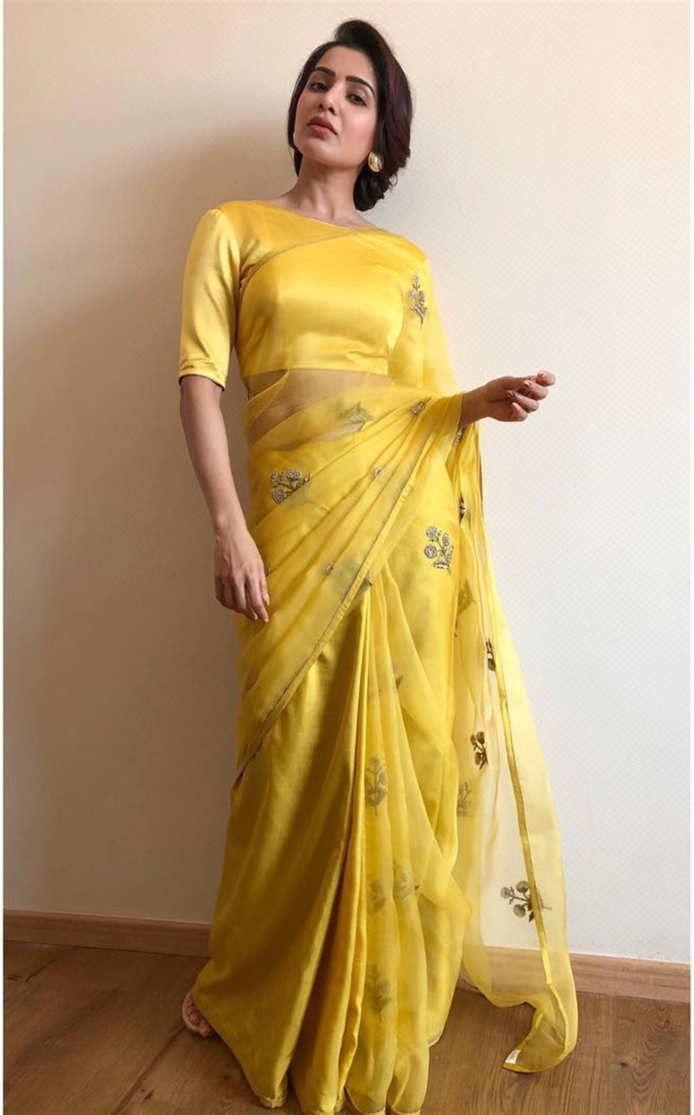 Actress Samantha Launches Big C Mobile @ Madurai Photos