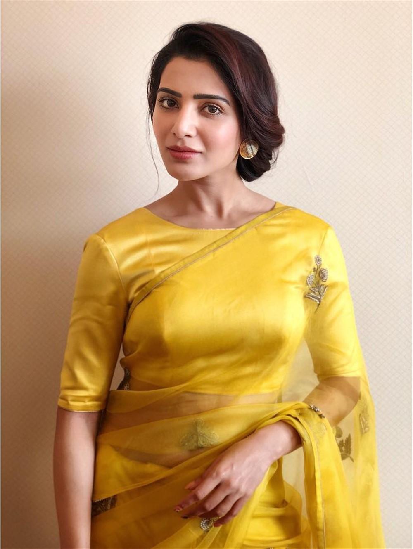 Actress Samantha Akkineni Launches Big C Mobile @ Madurai Photos