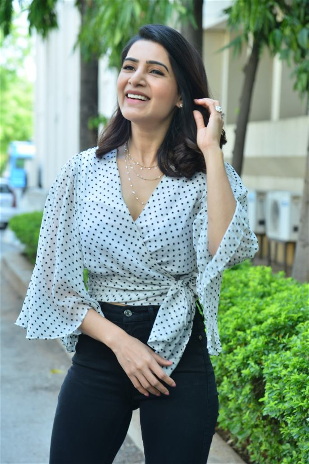 Actress Samantha launches Laundry Kart App Photos