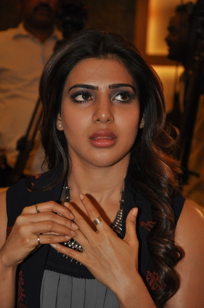 Actress Samantha Images at Nava Manmadhudu Movie Press Meet