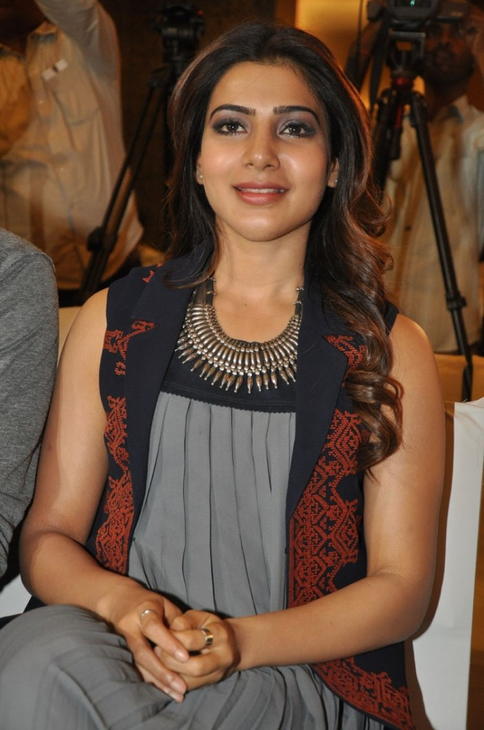 Actress Samantha Images at Nava Manmadhudu Press Meet