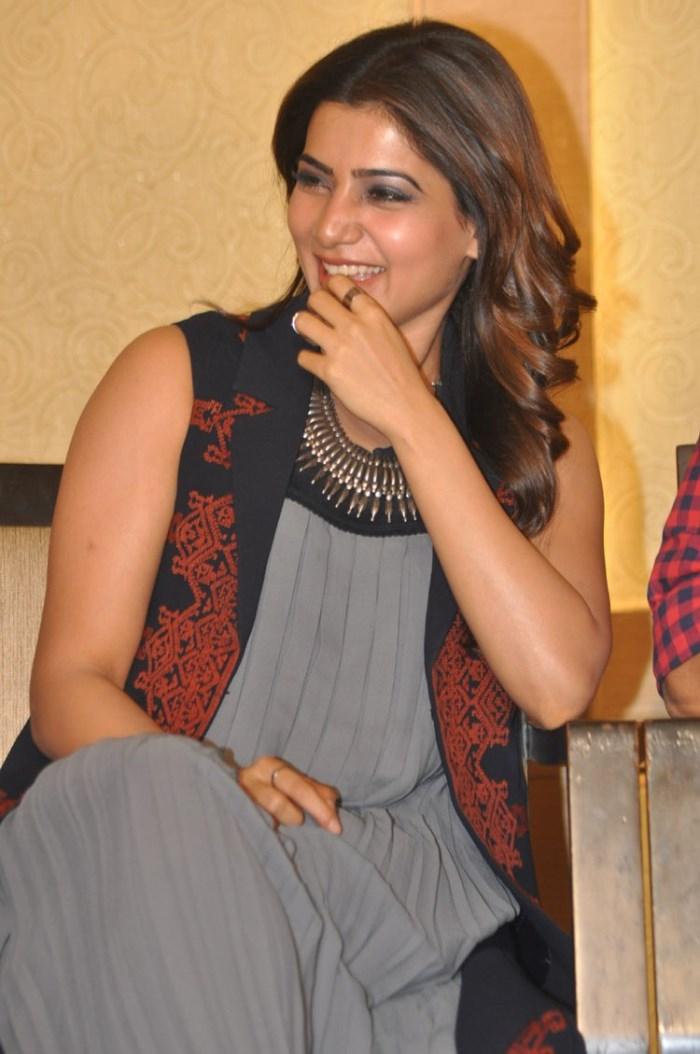Actress Samantha Images at Nava Manmadhudu Movie Press Meet