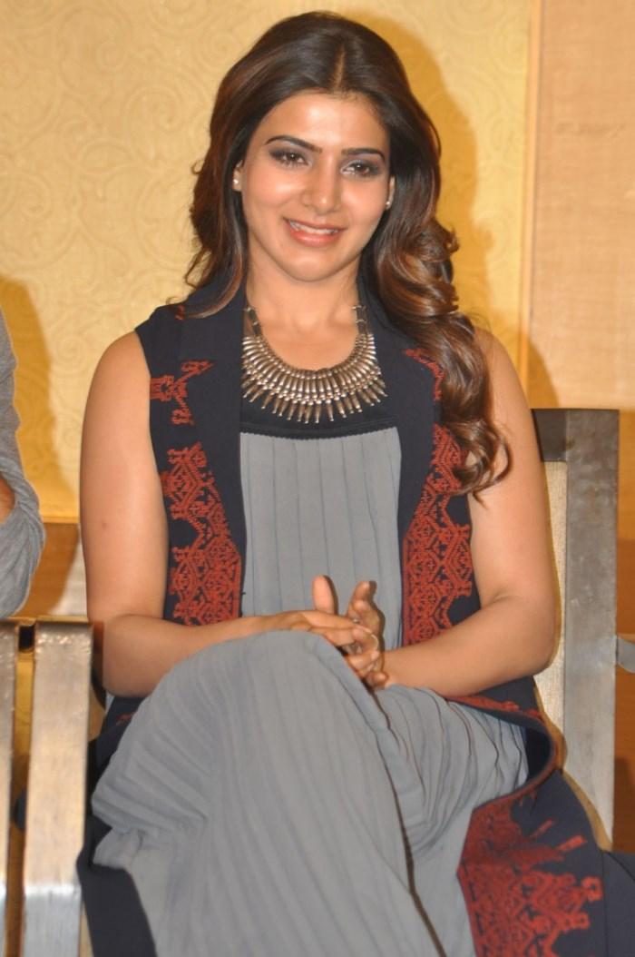 Actress Samantha New Images at Nava Manmadhudu Press Meet