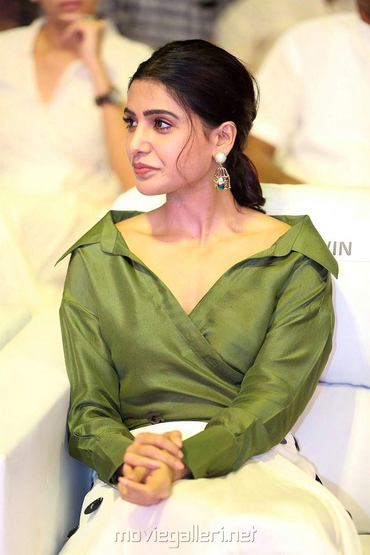 Actress Samantha Pics @ Devadas Audio Launch