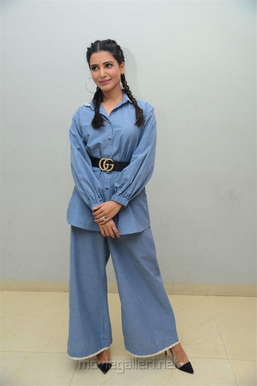 Actress Samantha Akkineni Pics @ Oh Baby Movie Press Meet