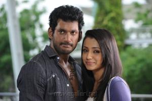 Vishal, Trisha in Samar Tamil Movie Stills