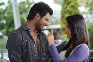 Vishal and Trisha in Samar Tamil Movie Stills
