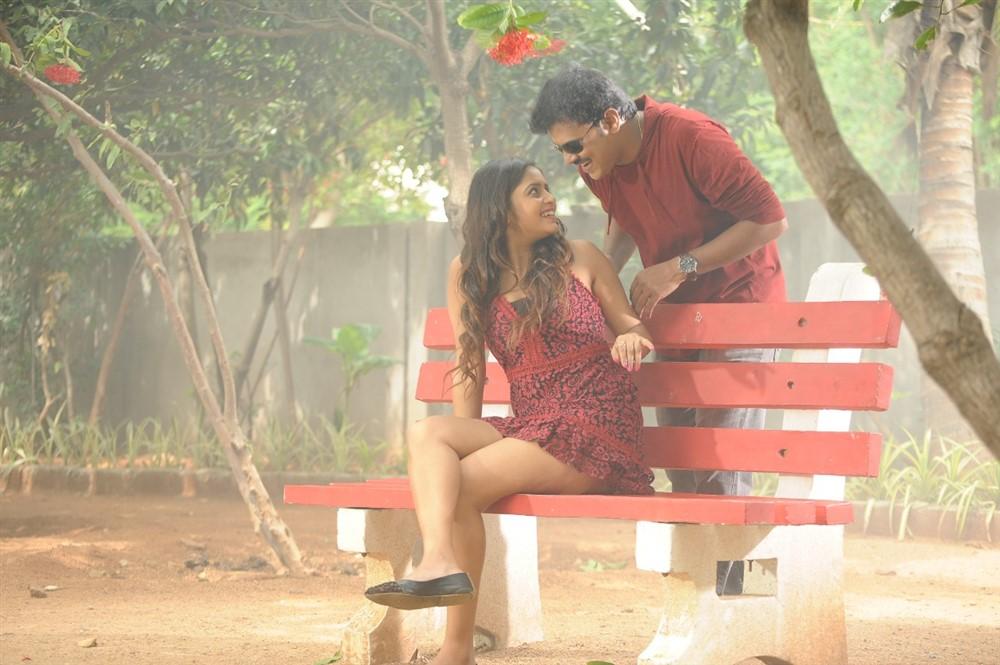 Pragya Nayan, Vinod Kumar in Samaram Movie Stills