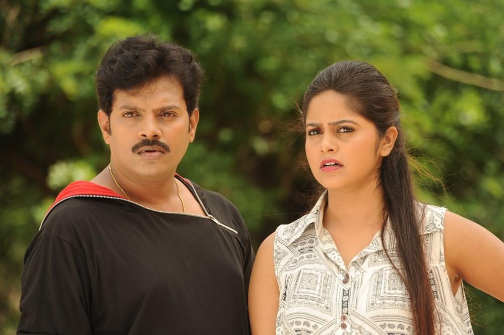 Vinod Kumar, Pragya Nayan in Samaram Movie Stills