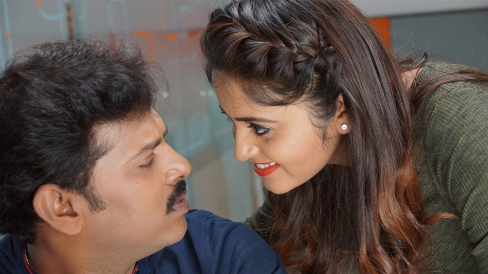 Vinod Kumar, Pragya Nayan in Samaram Movie Stills
