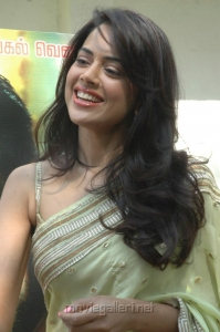Sameera Reddy Hot in Vettai Press Show