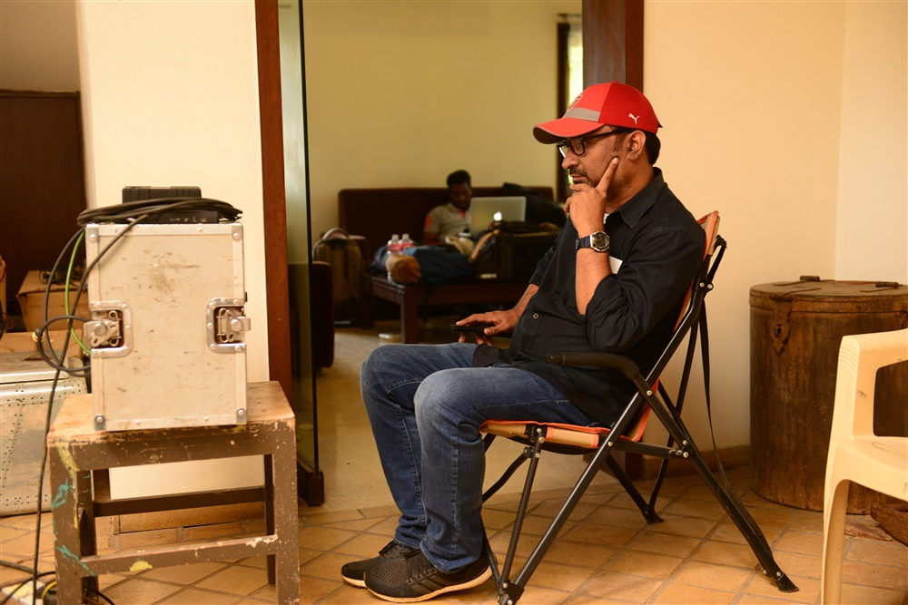 Director Mohanakrishna Indraganti @ Sammohanam Movie Working Stills