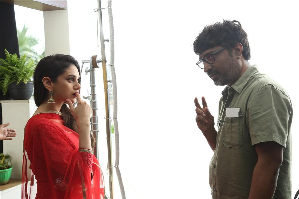 Aditi Rao Hydari, Mohanakrishna Indraganti @ Sammohanam Movie Working Stills