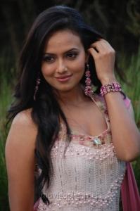 Sana Khan Cute Smile Pics