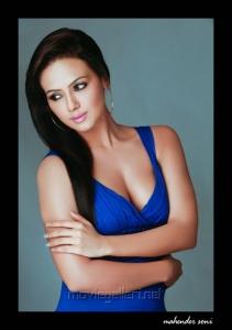 Sana Khan Hot Photo Shoot Pics