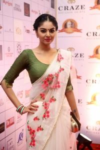 Tamil Actress Sanam Shetty in Half Saree Photos