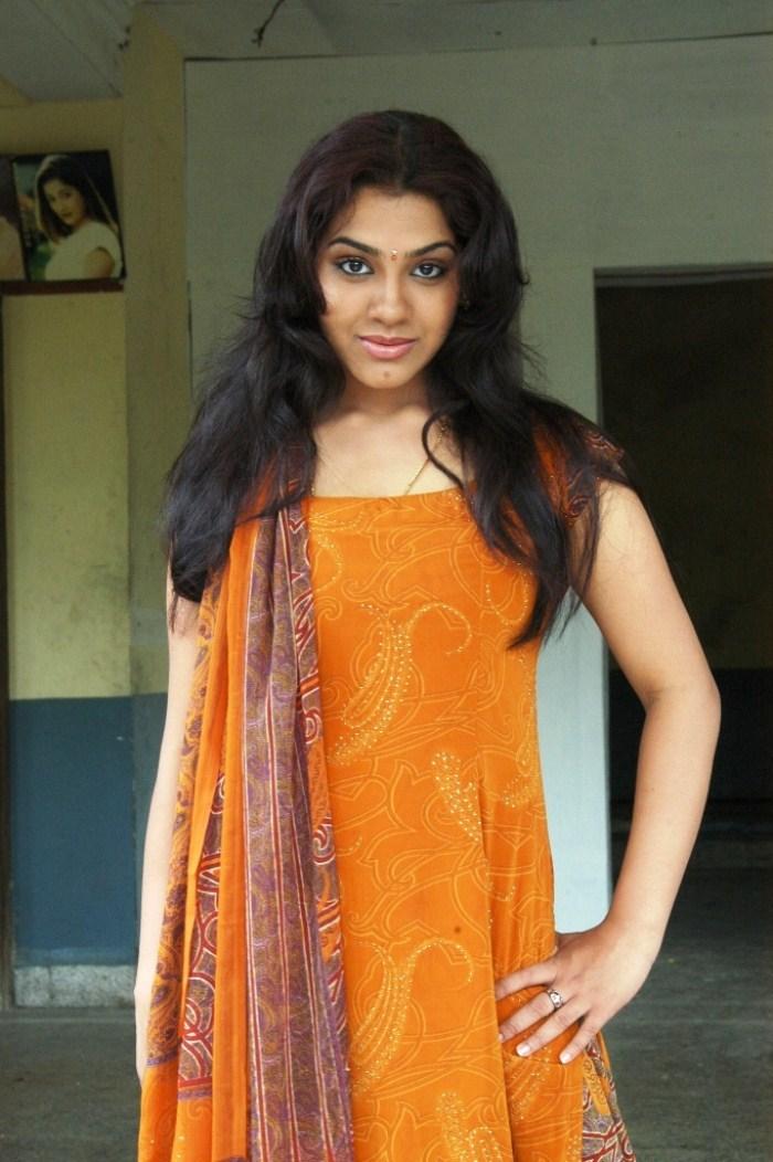 Tamil Actress Sandhya in Churidar Photos [ Gallery View ]