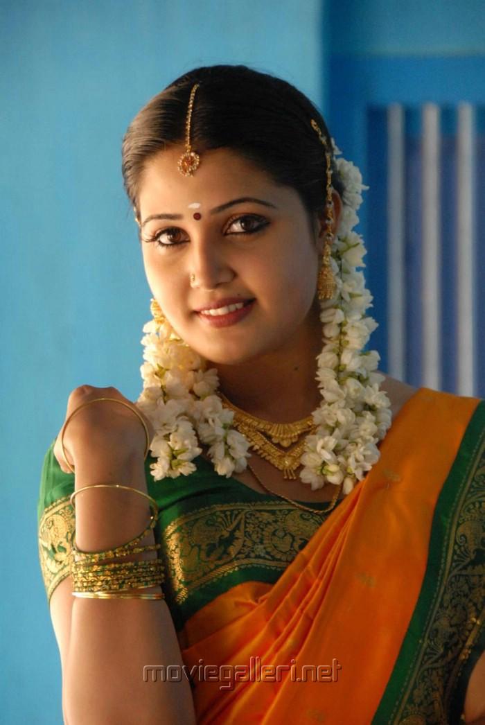 https://moviegalleri.net/wp-content/gallery/sandra-jose-in-saree-photos/tamil_actress_sandra_jose_in_saree_photos_stills_dharani_movie_292d6df.jpg