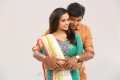 Sri Divya, Jeeva in Sangili Bungili Kadhava Thorae Movie Stills