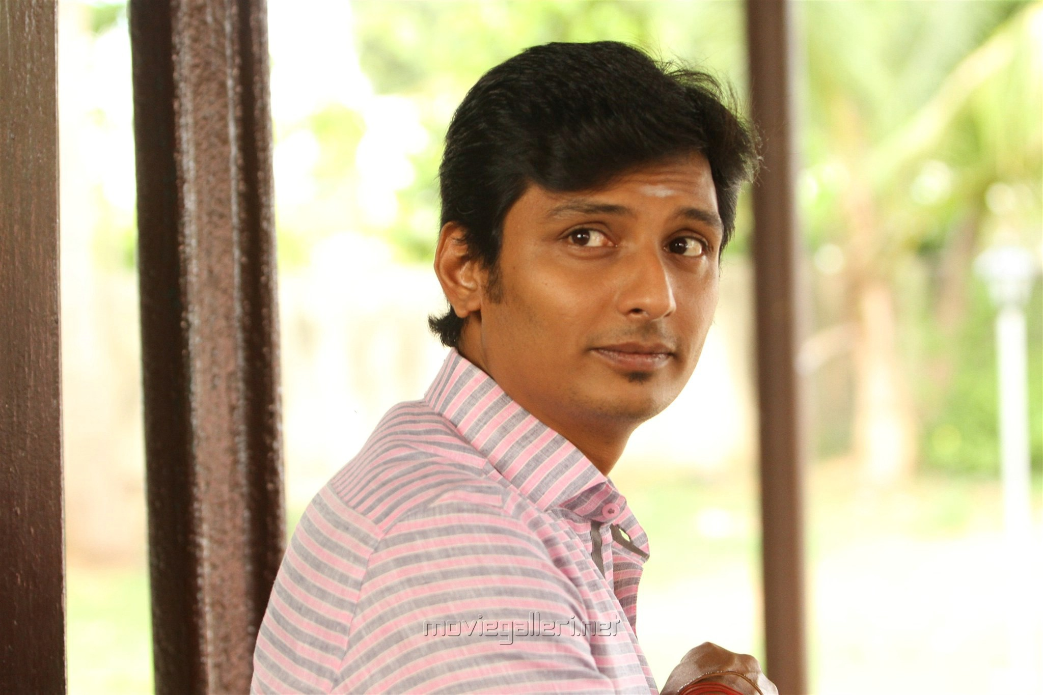 Actor Jeeva in Sangili Bungili Kadhava Thorae New Pics