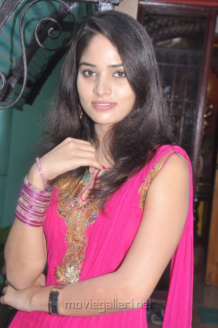 Picture 510539   Saniya Thara Hot Photos in Dark Pink