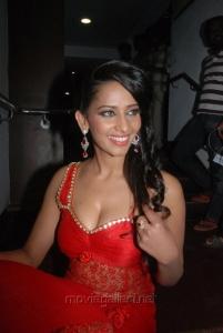 Yaarukku Theriyum Actress Sanjana Singh Hot Spicy Stills
