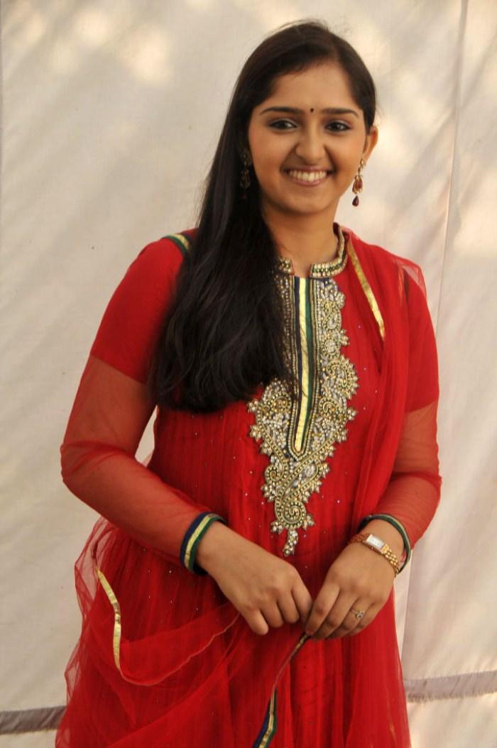 sanusha santhosh images sanusha santhosh picture gallery sanusha ...