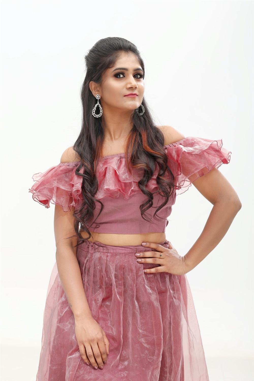 Tamil Actress Saraa Venkatesh Photoshoot Stills