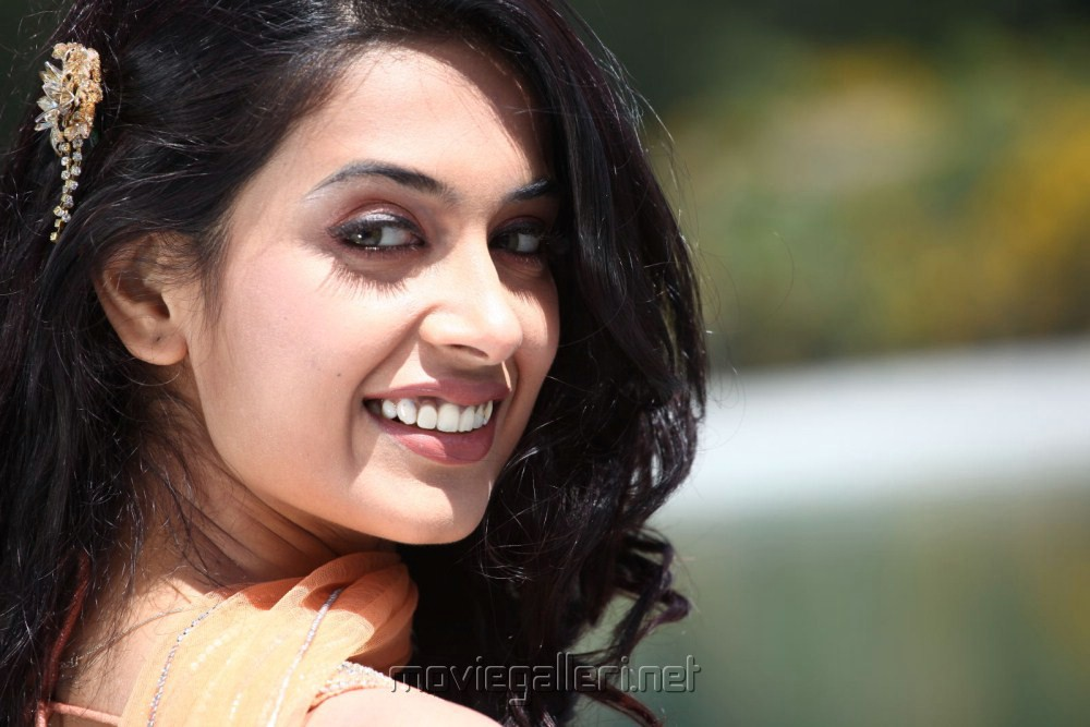 sarah jane dias wallpapers