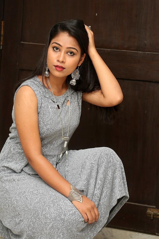 Actress Sarika Photos @ Jigel Raja Movie Launch