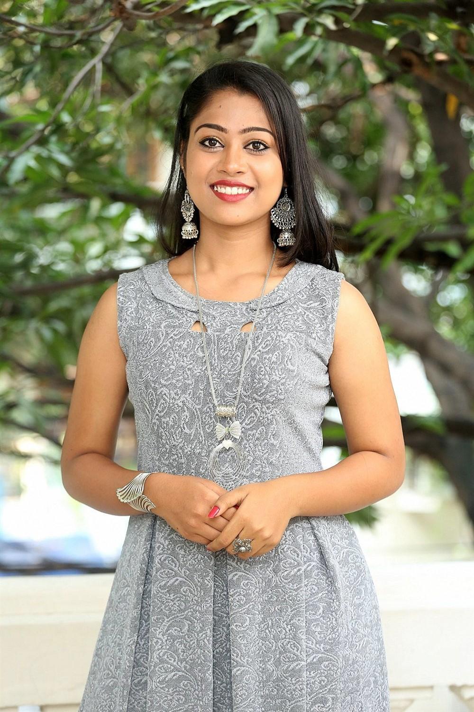 Telugu Actress Sarika Photos @ Jigel Raja Movie Opening