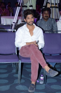 Allu Arjun @ Sarrainodu Movie Success Meet Stills