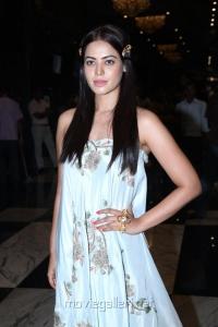 Actress Bindu Madhavi @ Savaale Samaali Movie Trailer Launch Stills