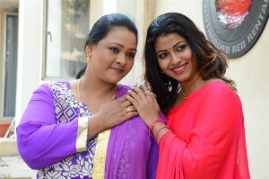 Shakeela, Geethanjali @ Seelavathi Movie Teaser Launch Stills