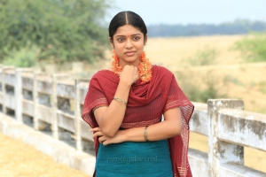 Heroine Varsha Bollamma in Seemathurai Movie Stills HD