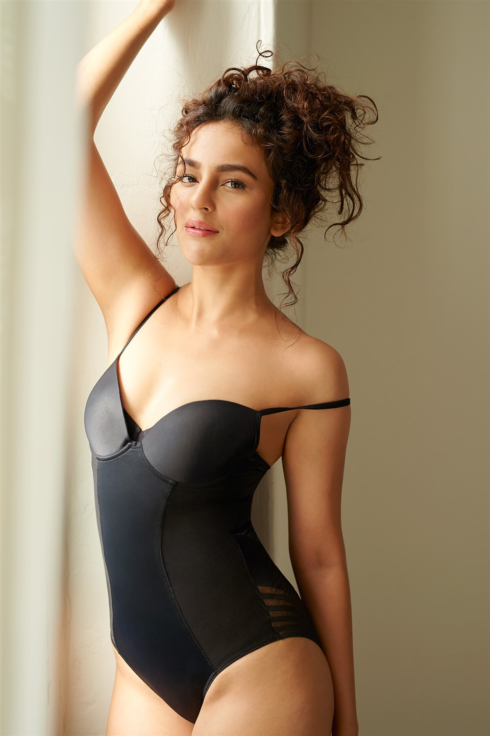 Telugu Actress Seerat Kapoor Latest Hot Photoshoot Stills