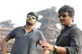 Sathish, Jiiva in Seeru Movie Images