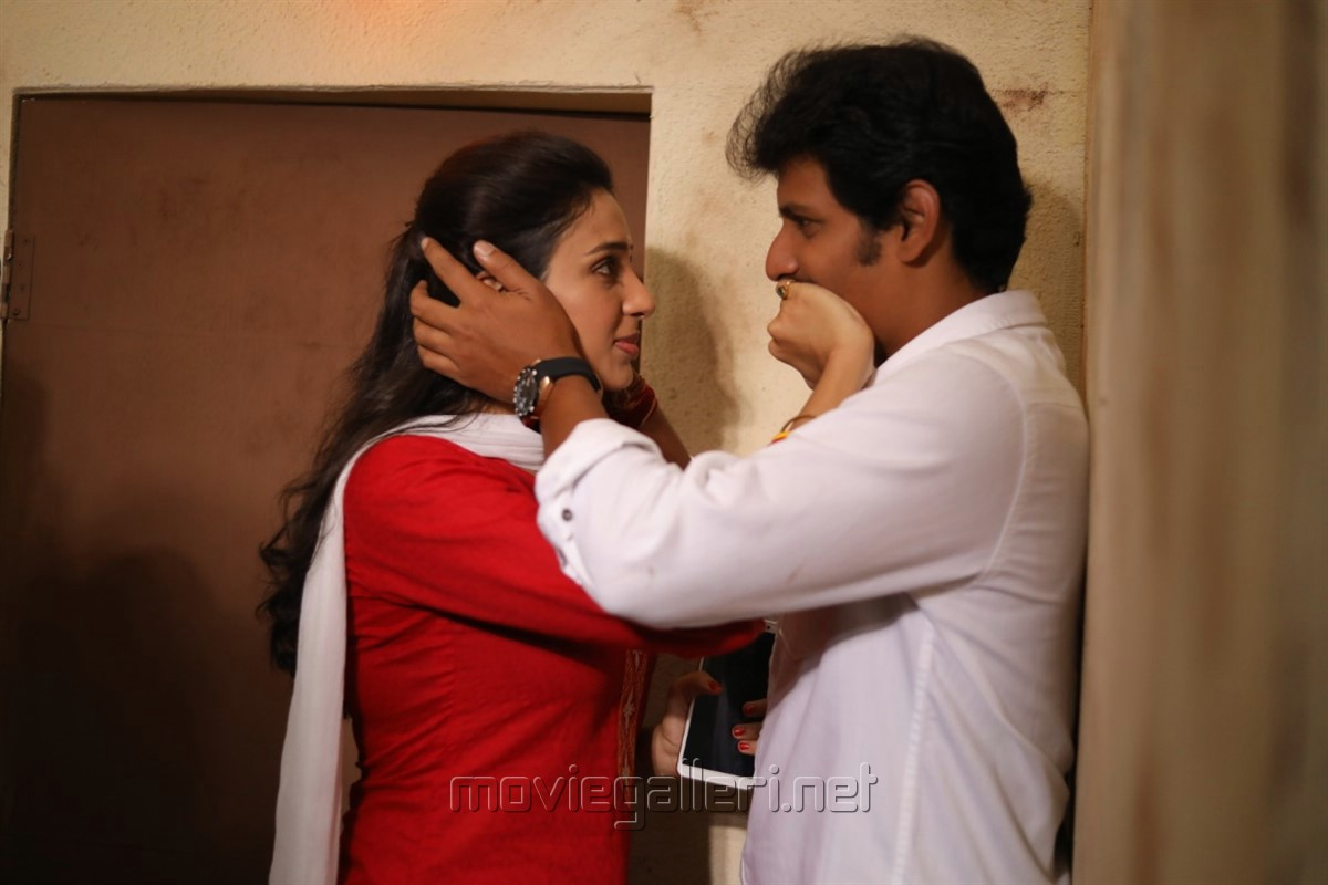 Riya Suman, Jiiva in Seeru Movie Stills