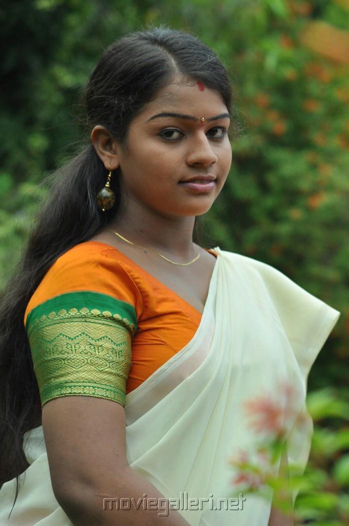Picture 256952 | Actress Kamali in Selathu Ponnu Hot ...